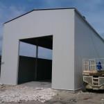 Доставка на покривни и фасадни панели за гараж за ремонт на камиони в база на Бон Марин АД в село Тополи