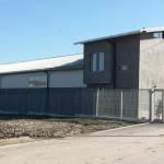 Доставка на покривни и фасадни панели за офис и склад за селскостопанска продукция в с. Зайчино ореше, община Нови пазар