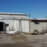 Доставка на покривни сандвич панели за реконструкция на стар покрив на хале с термопанели в гр. Лясковец