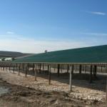 Доставка на покривни термопанели с фолио на кравеферма в с. Драгомъж-3