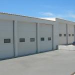 Доставка на покривни и фасадни панели на автосервиз -2