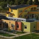 Доставка на покривни термопанели за дом за настаняване от семеен тип в гр. Търговище